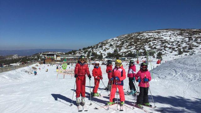 Tu casa en la montaña. Escuela de esquí y snowboard